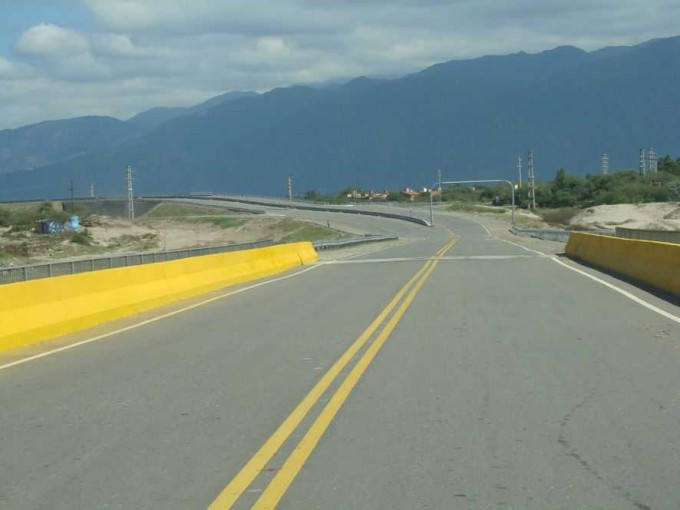 Venían desde la Rioja,accidente en la avenida Circunvalación Nestor Kirchner