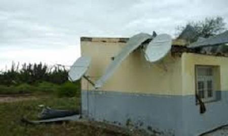Temporal en La Paz hizo volar los techos de una escuela