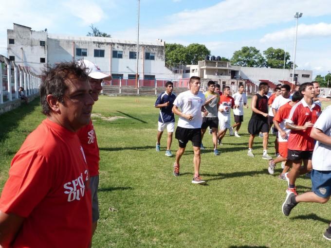 Villa Cubas presentó al cuerpo técnico en el comienzo de la pretemporada
