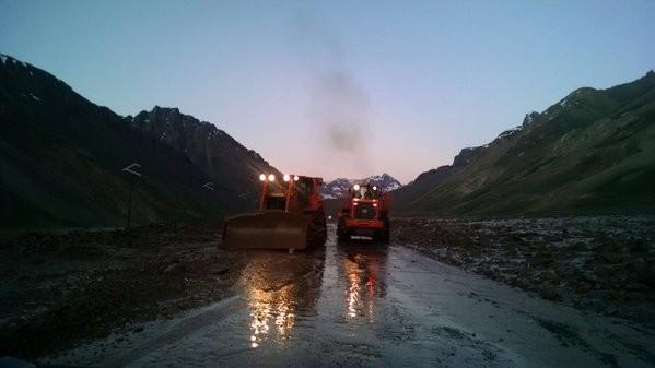 20 maquinas y 45 operarios trabajan para habilitar  el paso Mendoza -Chile