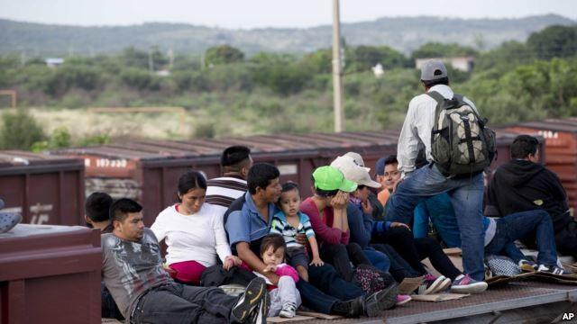 Investigación de AP descubre abusos a niños migrantes en EEUU