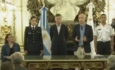 Macri firmó el traspaso de la Policía Federal a la Ciudad de Buenos Aires