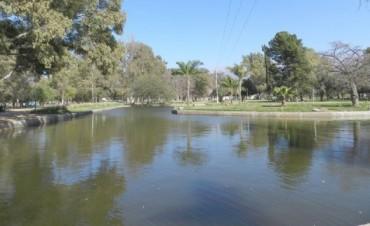 Limpian laguna en el Parque Adán Quiroga, por el reclamo de vecinos