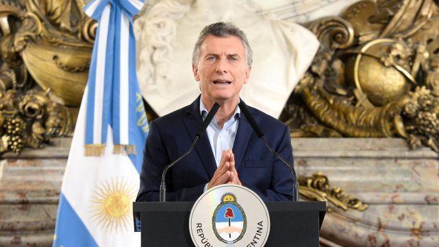 Macri anunció un fuerte ajuste en el Estado