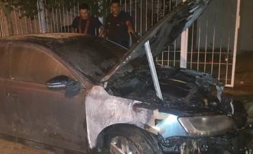 Incendiaron automovil en la Vivienda de la diputada Paola Bazán