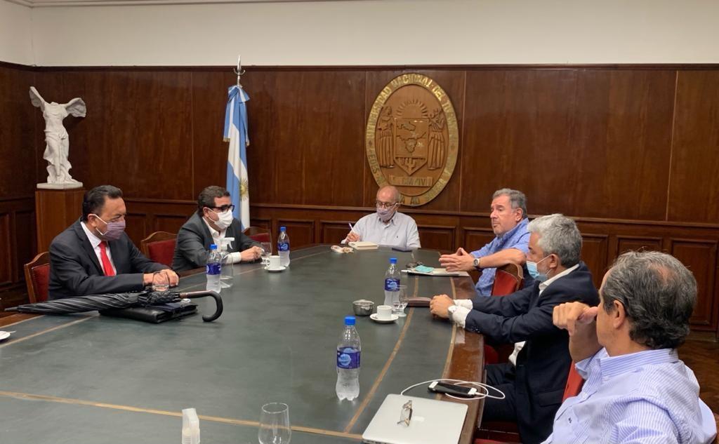 Autoridades de la UNT  recibieron al Directorio de YMAD
