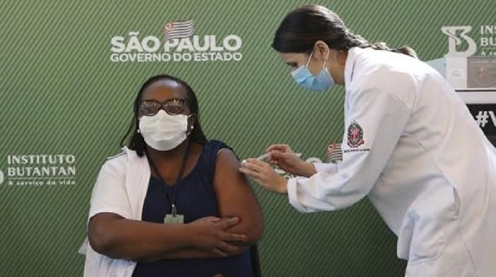 Brasil aprobó las dos primeras vacunas