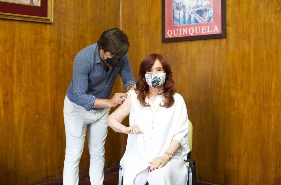 CFK:recibió la primera dosis de la vacuna Sputnik V