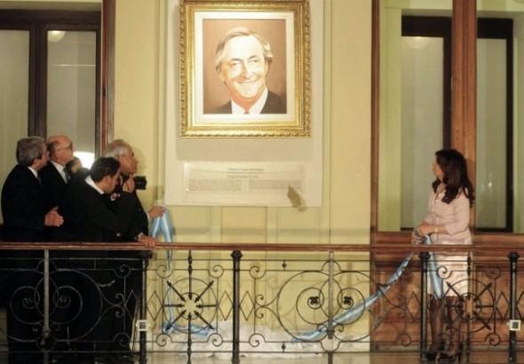 El Gobierno bajó los cuadros de Néstor Kirchner y Chávez de la Casa Rosada