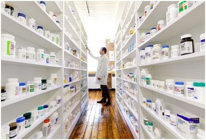 El Gobierno acordó bajar el precio de los medicamentos hasta en un 20%