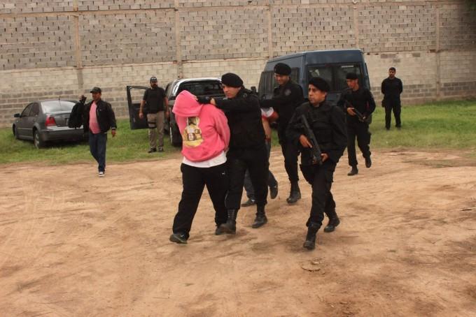Catamarqueño se tiroteó con la policía en Santiago del Estero,fue detenido con 160 kilos de marihuana
