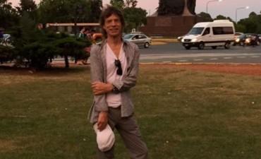 Mick Jagger paseó por Palermo, se fotografió y compartió la foto en Twitter