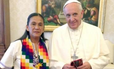 Tupac Amaru asegura que el Papa envió un rosario bendecido para Milagro Sala y esta preocupado por la detención