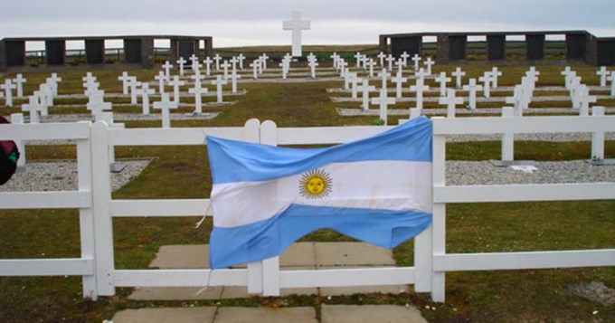 La Cruz Roja busca identificar a soldados argentinos caídos en Malvinas