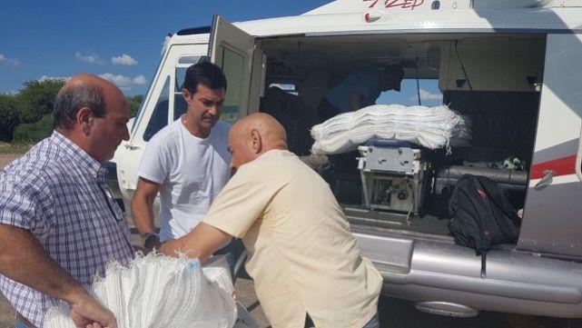 Urtubey entregó insumos a afectados por crecida del Pilcomayo