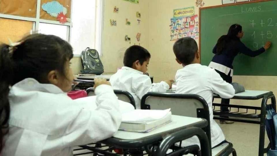 Gremios  Docentes en alerta por el inicio del ciclo lectivo