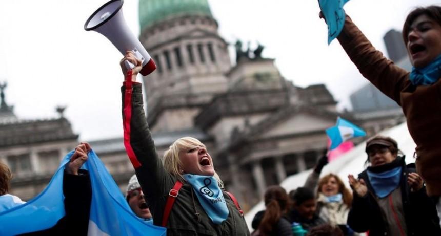 Aseguran que no dan los votos para aprobar la legalización del Aborto pero ante un empate CFK tendrá la obligación de desempatar