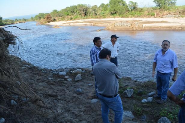 Defensas en el río Bañado de Ovanta