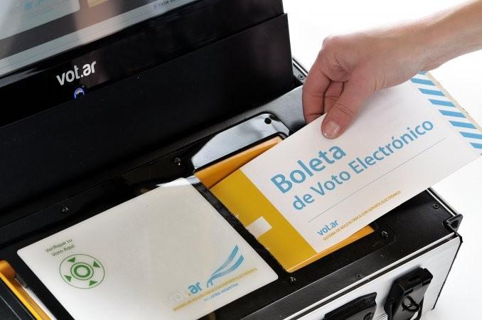 El Gobierno ratificó la boleta electrónica para 2017