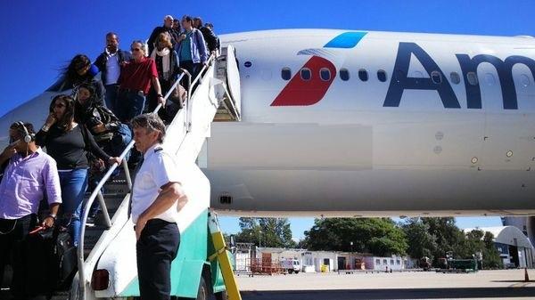 Insólito: un vuelo fue cancelado en Córdoba por el feriado