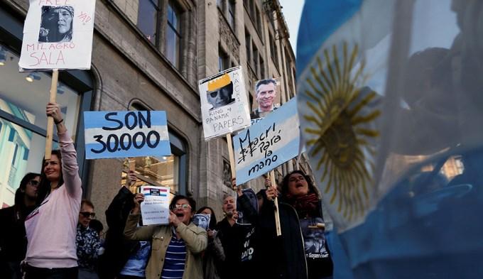 Marchas a favor y en contra de Macri en Holanda