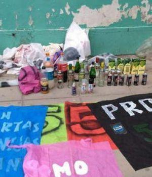 Más de 100 changuitos entraron borrachos a una escuela