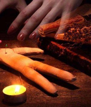 Joven denunció que le hacen brujerías para separarla del novio