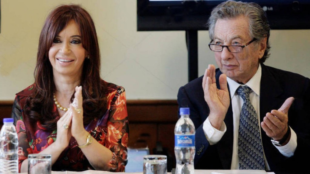 Cristina envió sus condolencias a la familia Macri