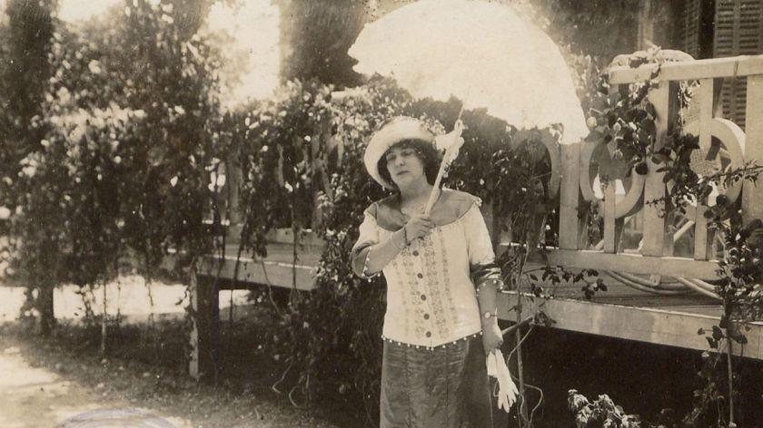 La historia de Delmira Agustini, la poeta uruguaya que fue víctima de un femicidio
