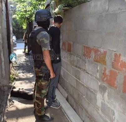 Detienen en Valle Viejo a un hombre con 3000 dosis de marihuana