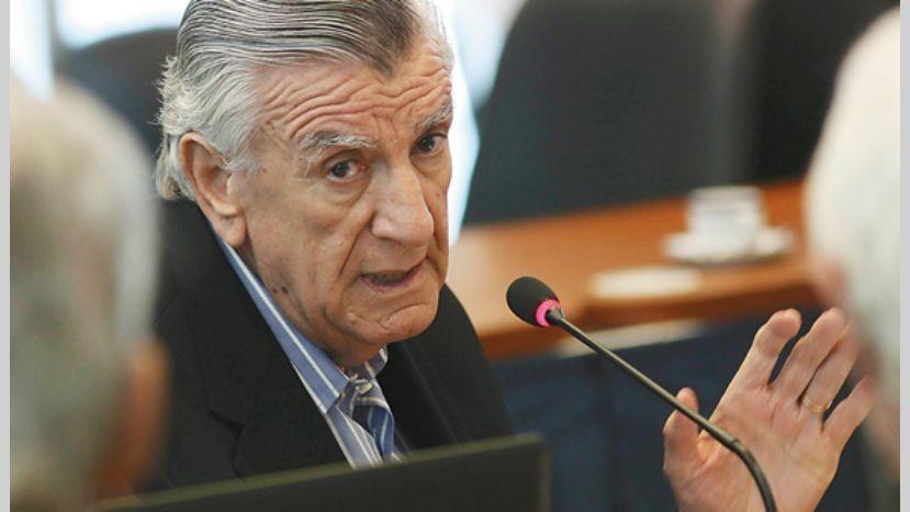 Gioja pide declarar la emergencia laboral para prohibir despidos y suspensiones