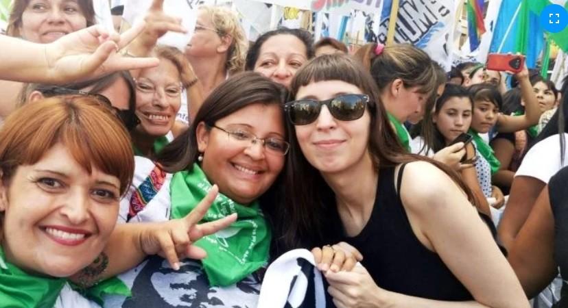 Florencia Kirchner pidió quedarse 45 días más en Cuba para seguir su tratamiento médico