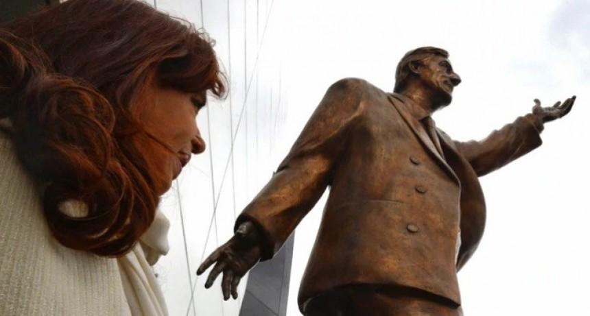 Ecuador retirará la estatua de Néstor Kirchner de la sede de Unasur: