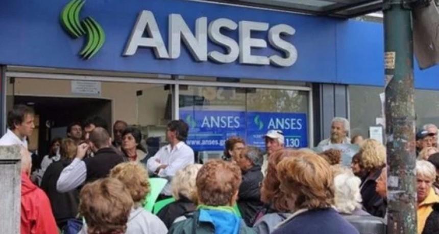 El sindicato de jubilados se pone en movimiento y le hace su primera marcha a Macri