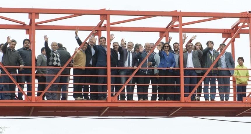 Se inauguró la pasarela de Palo Labrado con fondos nacionales