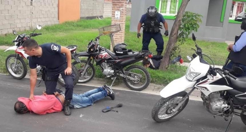 Persecución y detención de ladrones de motos en el sur de la ciudad