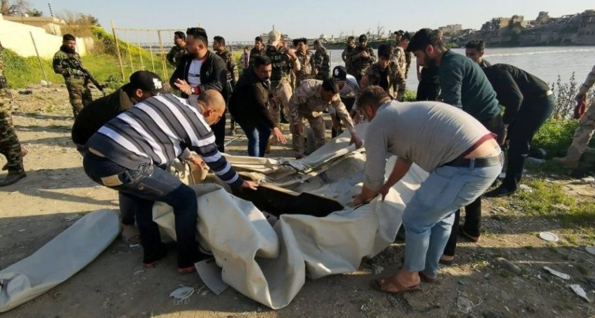 Más de 90 muertos, entre ellos menores, en naufragio en Irak