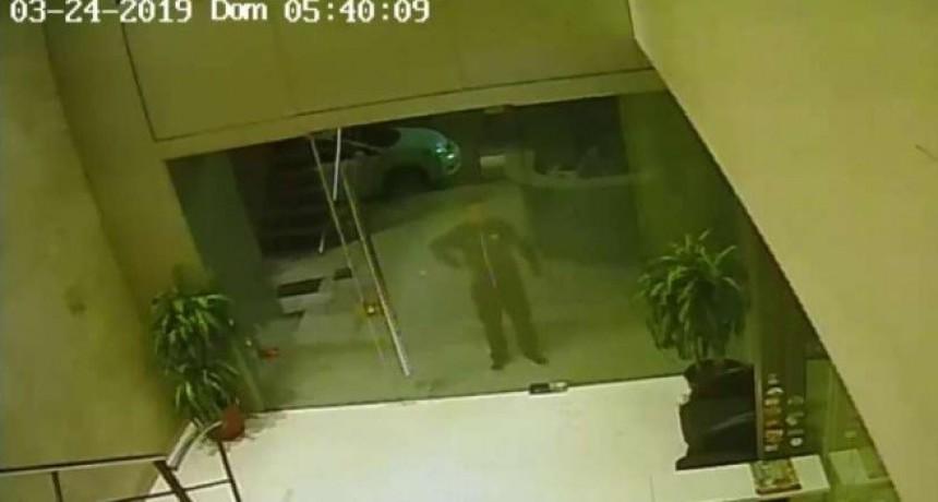 Se conoció el video del robo a las oficinas de Sergio Massa
