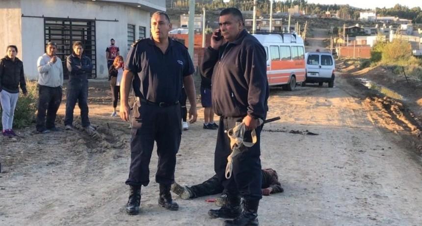 Vecinos mataron al padre de un joven acusado de violar a un chico de 12 años y le prendieron fuego la casa
