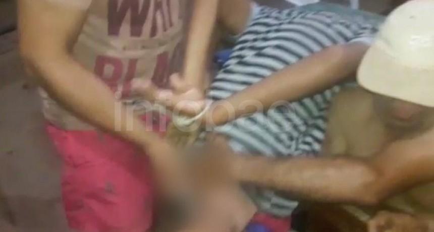 Las imágenes que vio todo un pueblo: el abuso a un joven por una patota de siete hombres en Córdoba