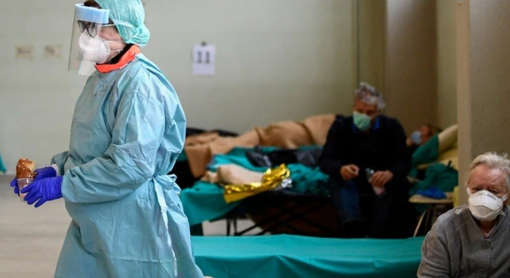 ITALIA: NO darían prioridad a los pacientes mayores de 80 años con coronavirus
