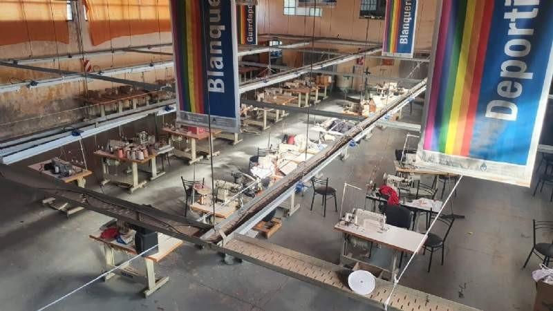 Se reactivan cooperativas para la producción de equipos de protección sanitaria