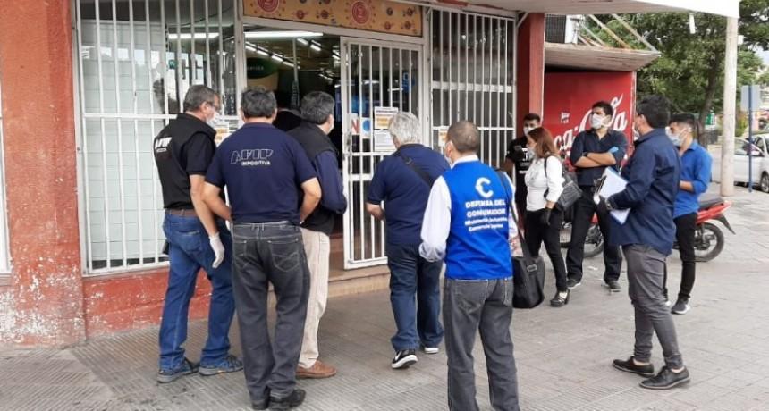 Supermercados sancionados por no cumplir con los precios máximos