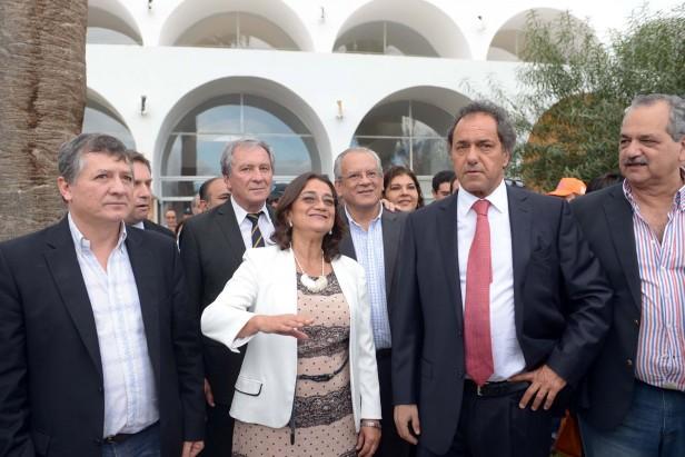 Lucía visitó el CIIC junto a Scioli