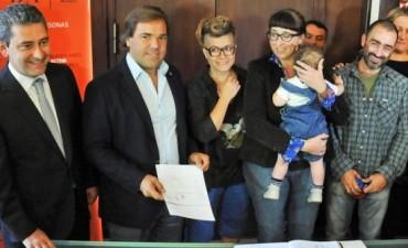 Anotaron al primer bebé con triple filiación en la Argentina