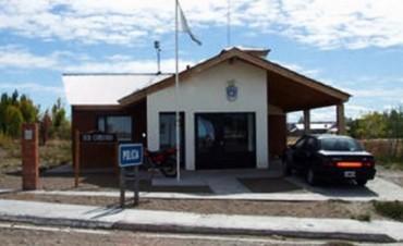 Chubut: Un preso atiende y recibe las denuncias por falta de Policias