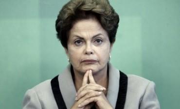 Este Lunes vence el plazo para que Rousseff presente su defensa ante la Comisión de Juicio Político