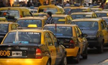Taxistas mendocinos lanzan un precario y personal