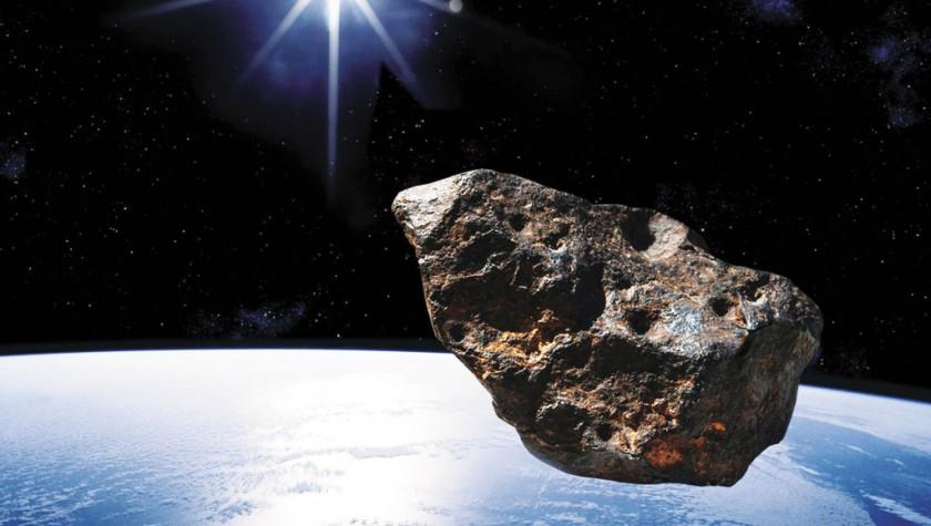 Un gran asteroide, muy cerca de la Tierra