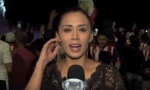 Indignante: periodista fue acosada y manoseada en vivo